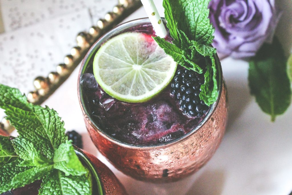 blackberry moscow mule, moscow mule, falvored moscow mule, drink, drink recipe, cocktail, cocktail recipe, drink styling, food photographer