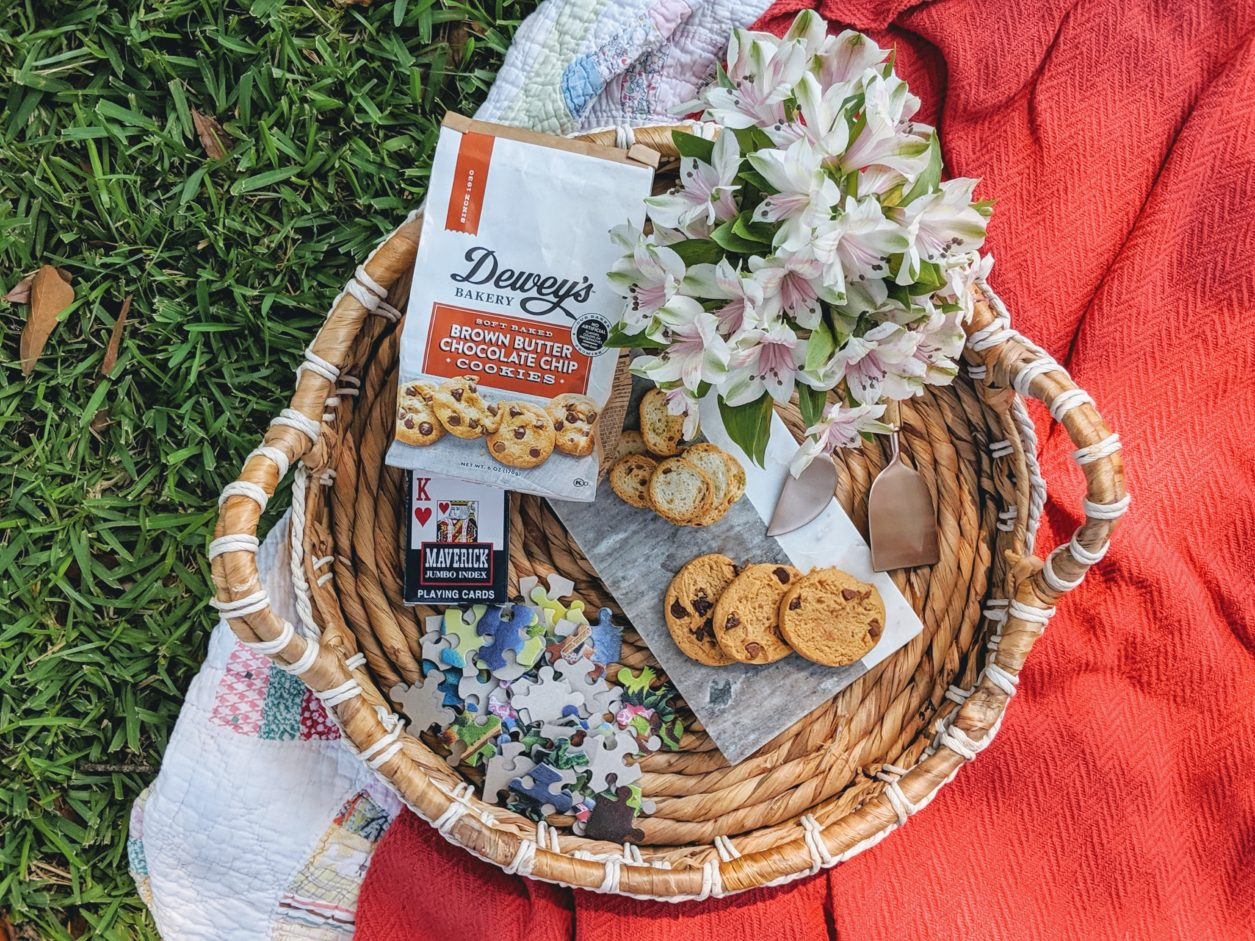 #mysouthernbakery, Dewey's cookies, Dewey's Bakery, picnic, how to picnic, what to bring on picnic